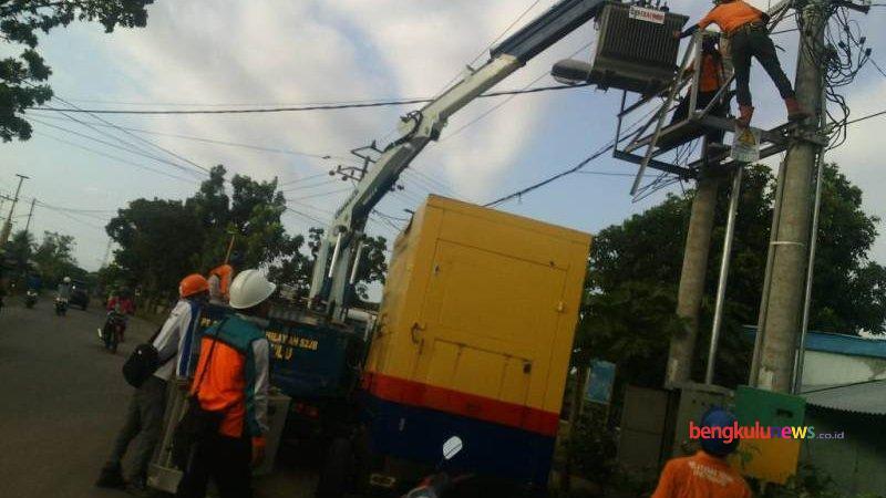 Beban Pemakaian Berlebihan, Travo PLN Rusak ||Kota ...